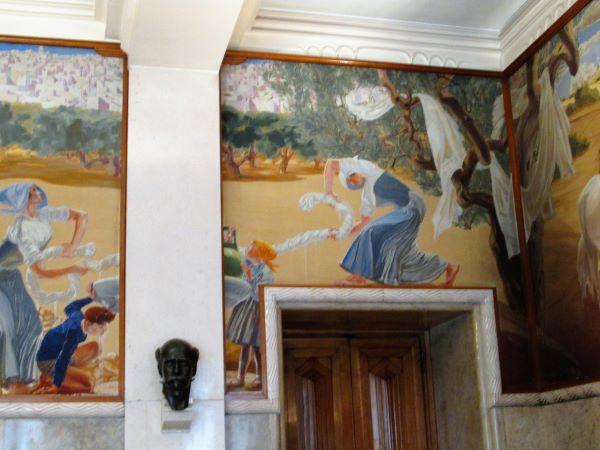 palazzo del'acquedotto bari dipinto