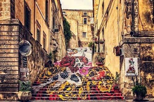 Read more about the article Il fascino artistico della Sicilia e delle sue genti a Ragusa