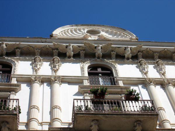 palazzo colonna de robertis liberty bari