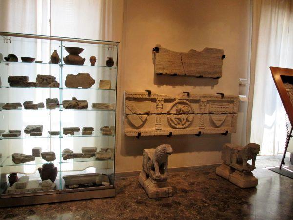 museo diocesano di bari sala dei reperti scultorei