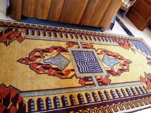 palazzo dell'acquedotto pugliese di bari tappeto