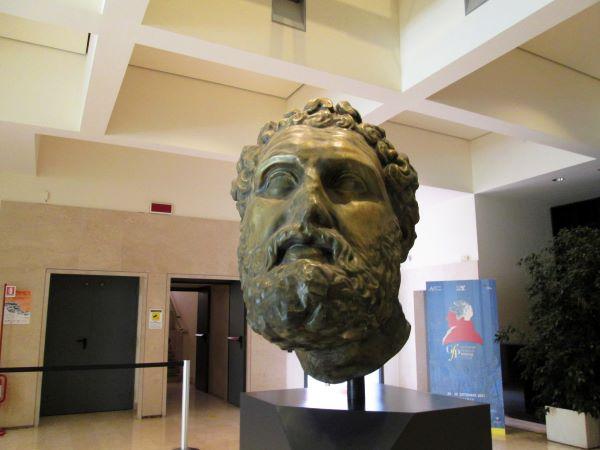 museo marta taranto testa di eracle