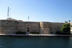 il castello aragonese di taranto tra storia e mistero